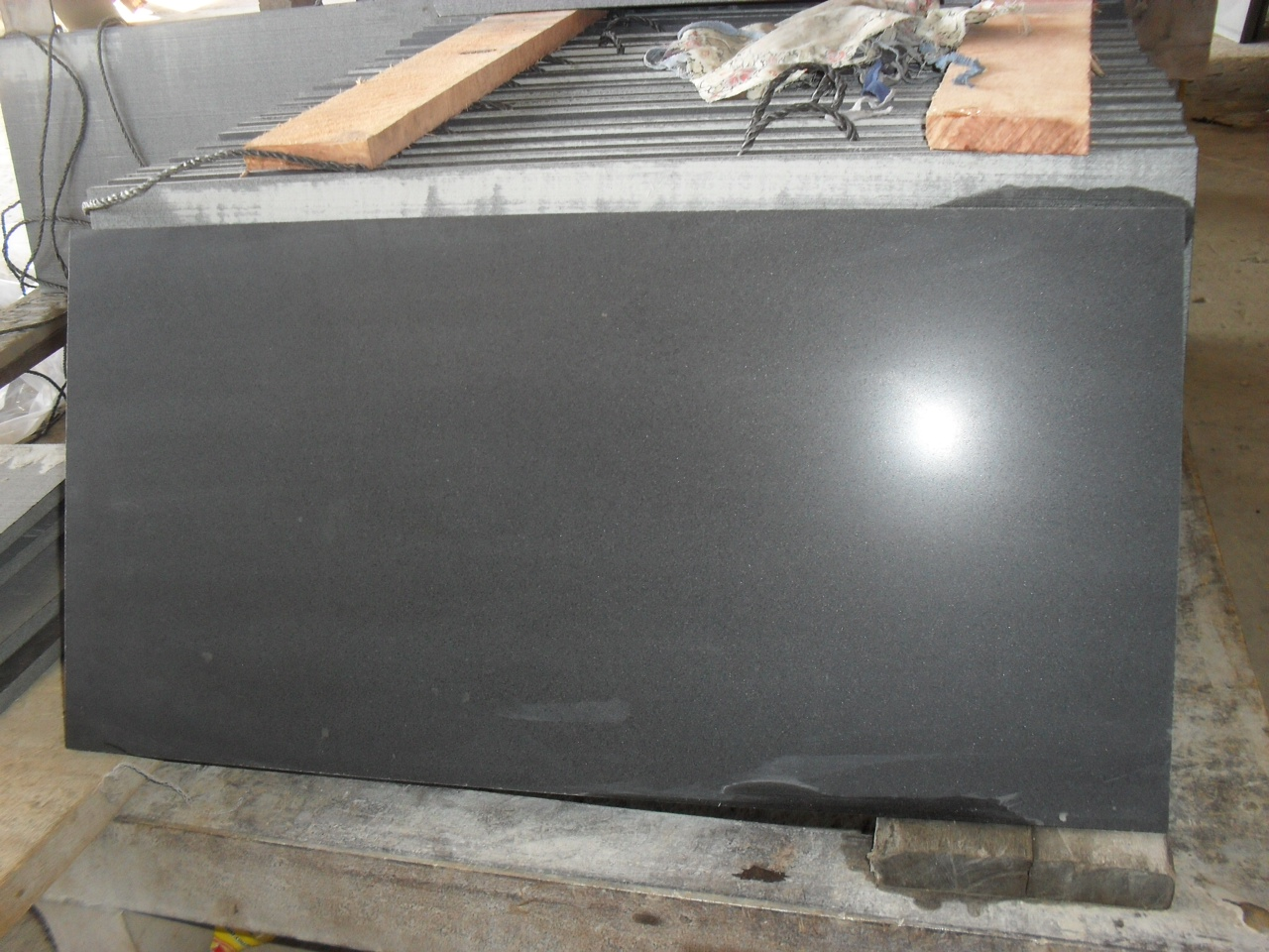 Dark basalt Polished